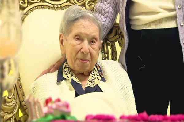 2015-08-19 oudste joodse vrouw overleden