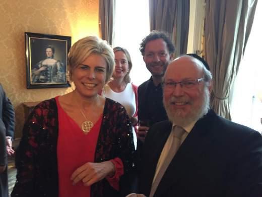 Foto: Prinses Laurentien met Rabbijn Evers,