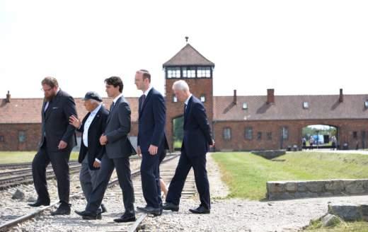 Premier Trudeau van Canada bezoekt Auschwitz