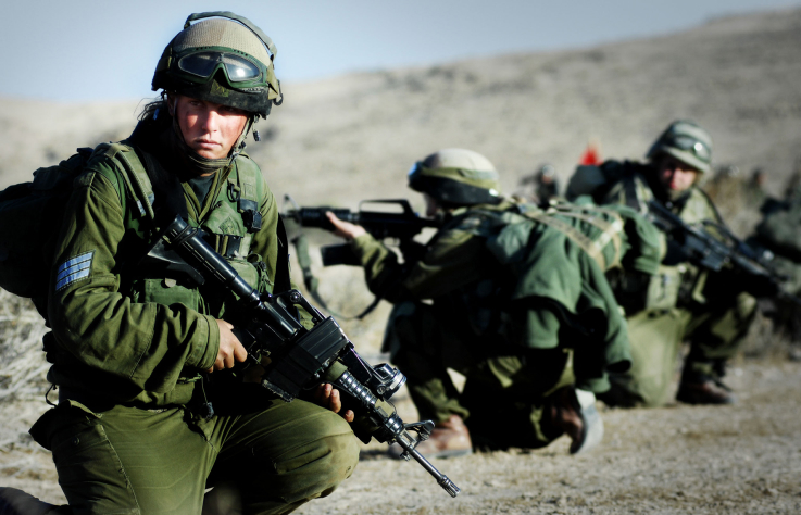In this photo released by IDF Spokesperson is a training of the Karkal battalion which is made up of male and female combat soldiers fighting side by side. Nov 14 2007. Photo by Yoni Markovitzki/IDF