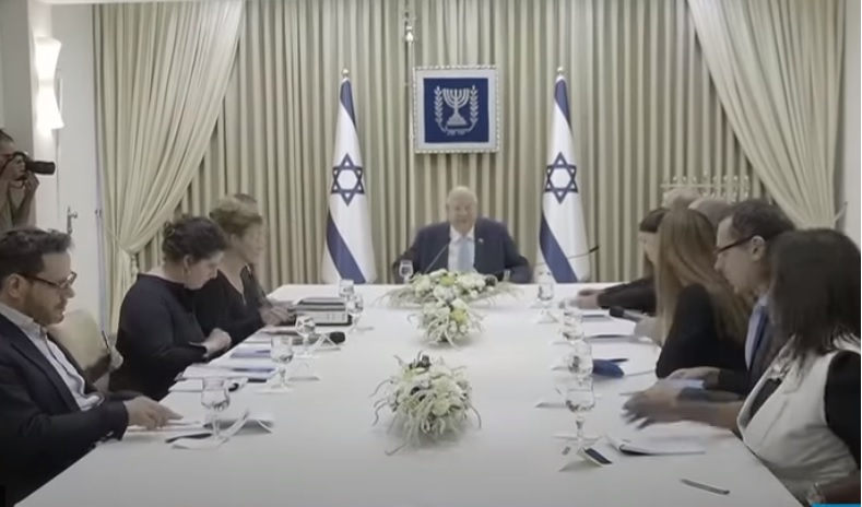 """""""Ik zie geen manier waarop een regering kan worden opgericht"""", zei Rivlin tegen vertegenwoordigers van Yesh Atid,"""